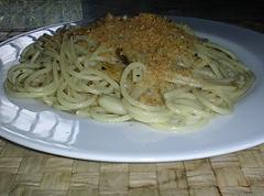 pasta con le acciughe Pasta%20anciove%20e%20mollica