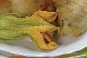 fiori-di-zucca-fritti-e-ripieni