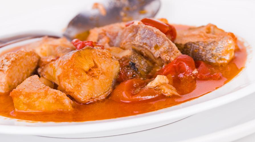 Ricetta pescatrice in umido giornale del cibo for Pesce rosso costo