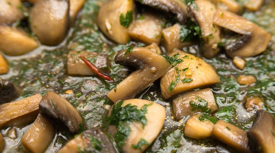 Come cucinare i funghi e conservarli i nostri consigli - Come cucinare champignon ...