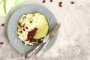 Insalata di mela verde melograno e cumino