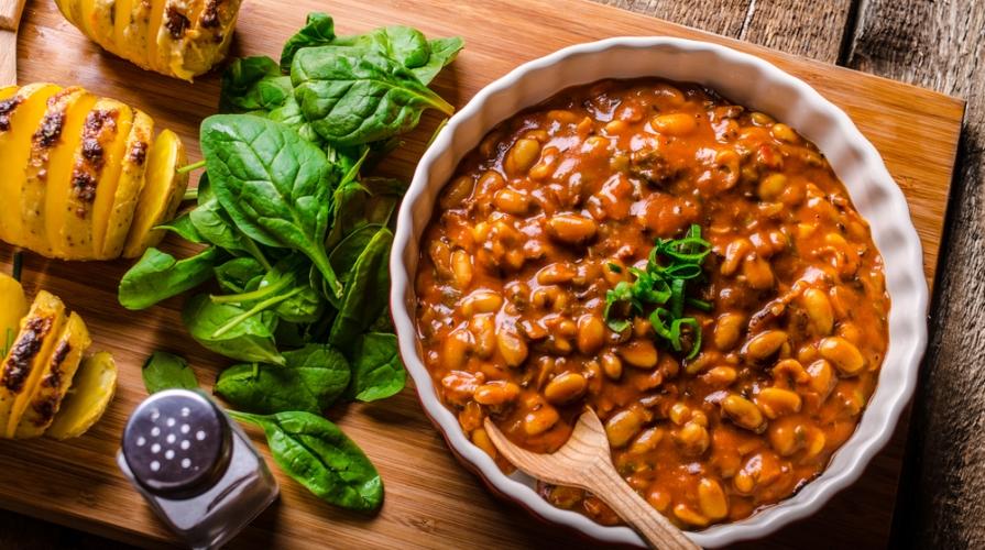 le minestre tradizionali le zuppe dei nonni hanno sempre previsto al loro interno i legumi e soprattutto i fagioli fondamentali per una dieta equilibrata