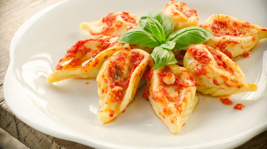 Ricetta ravioli sardi al formaggio con sugo di pomodoro giornale del cibo - Cucina sarda primi piatti ...