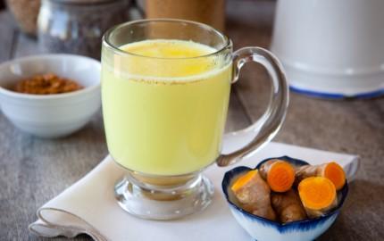 latte blu golden milk