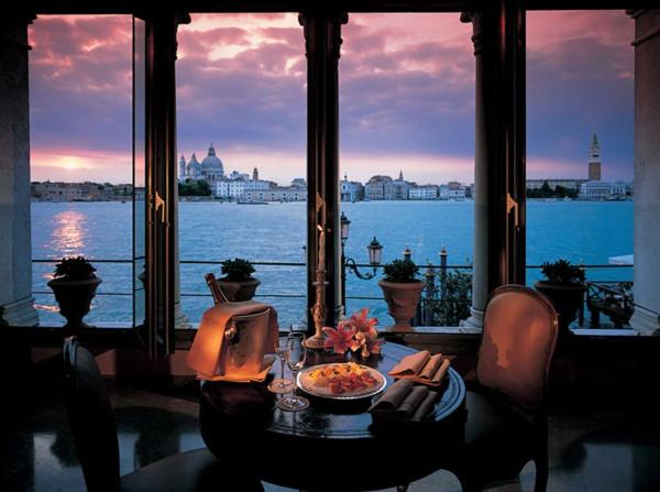 Ristoranti pi romantici del mondo un tour in 10 tappe for Ristorante amo venezia