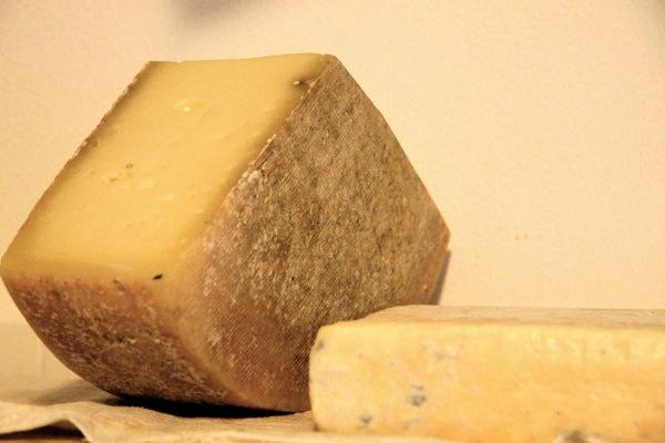 formaggio strachitunt