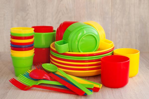 Piatti da cucina materiali estetica e praticit per una buona scelta - Piatti plastica ikea ...
