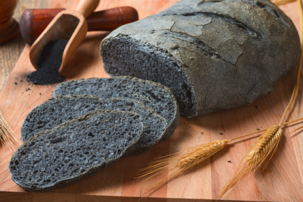 Carbone vegetale propriet controindicazioni e usi in cucina - Il carbone vegetale fa andare in bagno ...