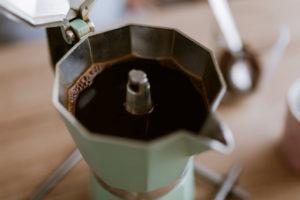 come riciclare il caffè avanzato